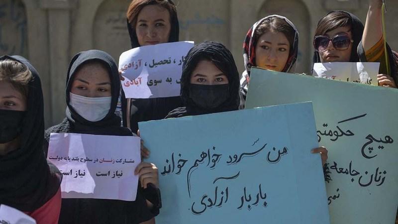 Las críticas internacionales se centraron en la falta de respeto a los derechos de mujeres y las minorías. Foto: AFP.