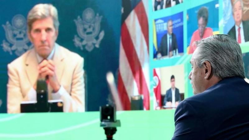 El Presidente encabeza la cumbre desde el Museo del Bicentenario. Foto: Prensa Presidencia.
