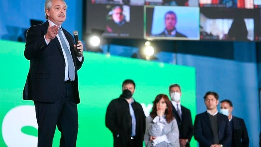 """Alberto Fernández: """"No es lo mismo pensar que los científicos están de más que pensar que son los que hacen crecer a un país"""". (Foto: Presidencia.)"""