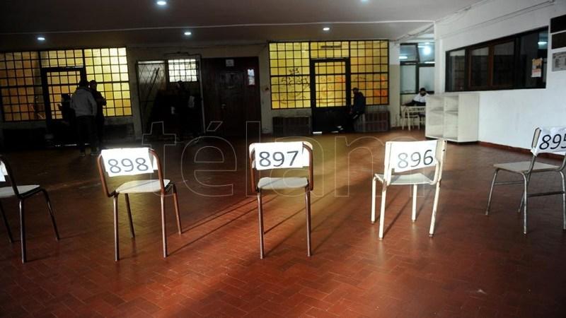 Los principales dirigentes del oficialismo y de la oposición destacaron el cumplimiento del protocolo sanitario dispuesto por el gobierno nacional. Foto: Eva Cabrera.