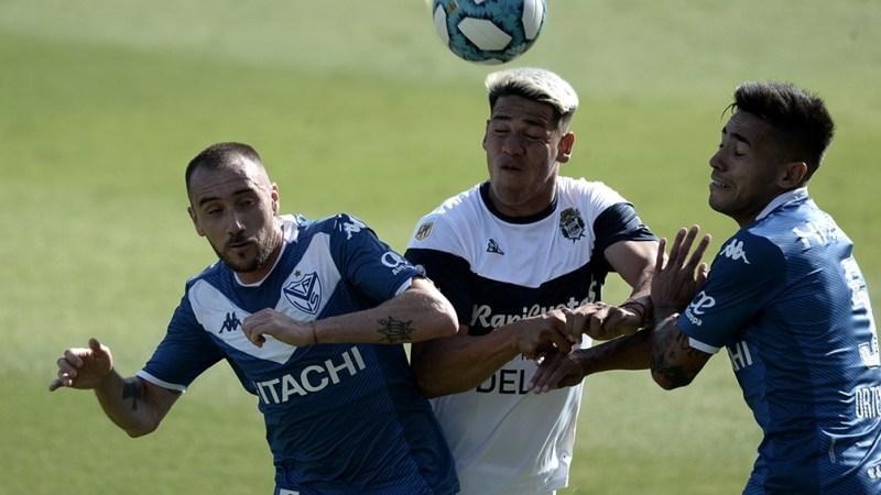 Gimnasia viene de ser goleado por Godoy Cruz mientras que Vélez arrastra una racha positiva de tres triunfos y un empate.
