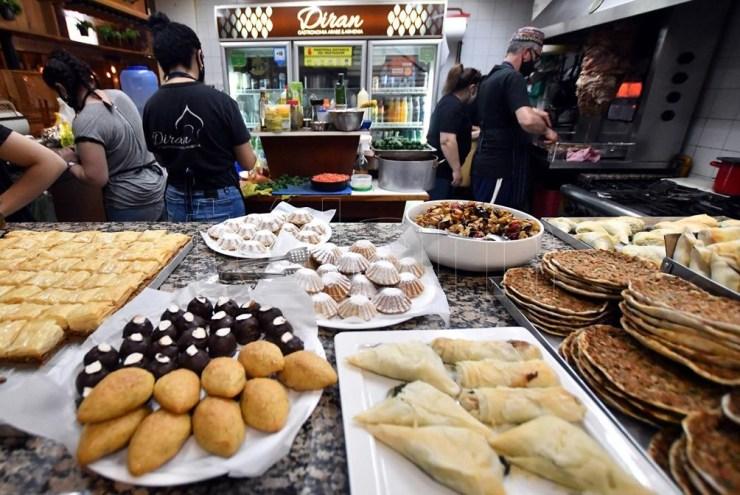 La gastronomía armenia se incorporó al panorama de ofertas cordobesas. (Foto: Laura Lescano)
