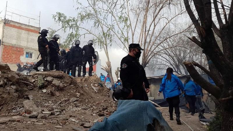 El Gobierno de la ciudad de Buenos Aires y la Fiscalía 11 del distrito porteño desalojaron a unas 100 familias.