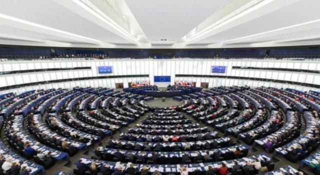 El proyecto contó con 546 votos a favor, 93 en contra y 51 abstenciones.