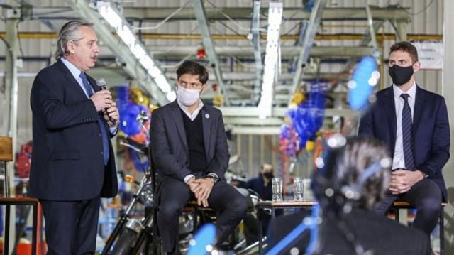 El Presidente participó en Campana del acto de lanzamiento de la producción local de motocicletas Royal Enfield.