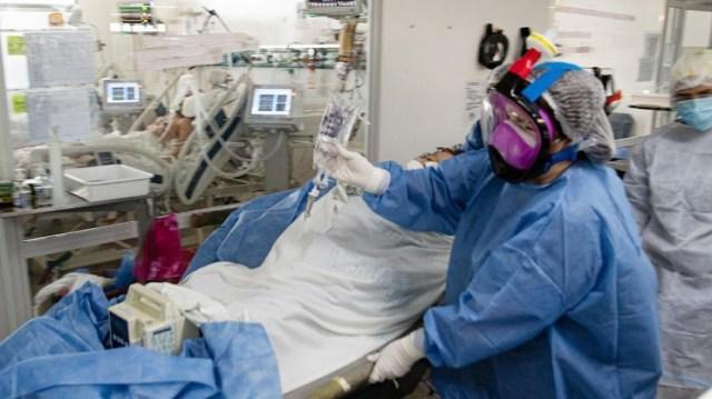 La cartera sanitaria indicó que son 7.969 los internados con coronavirus en unidades de terapia intensiva