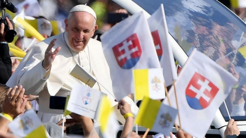 """""""¡Cuántas personas generosas aquí en Eslovaquia sufrieron y murieron a causa del nombre de Jesús!"""", lamentó el Papa."""