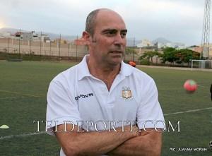 LUIS VELAZQUEZ