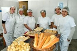 Con el fin de recuperar prácticas productivas familiares, inauguraron panadería en el CIC de barrio Obrero | Telediario Digital