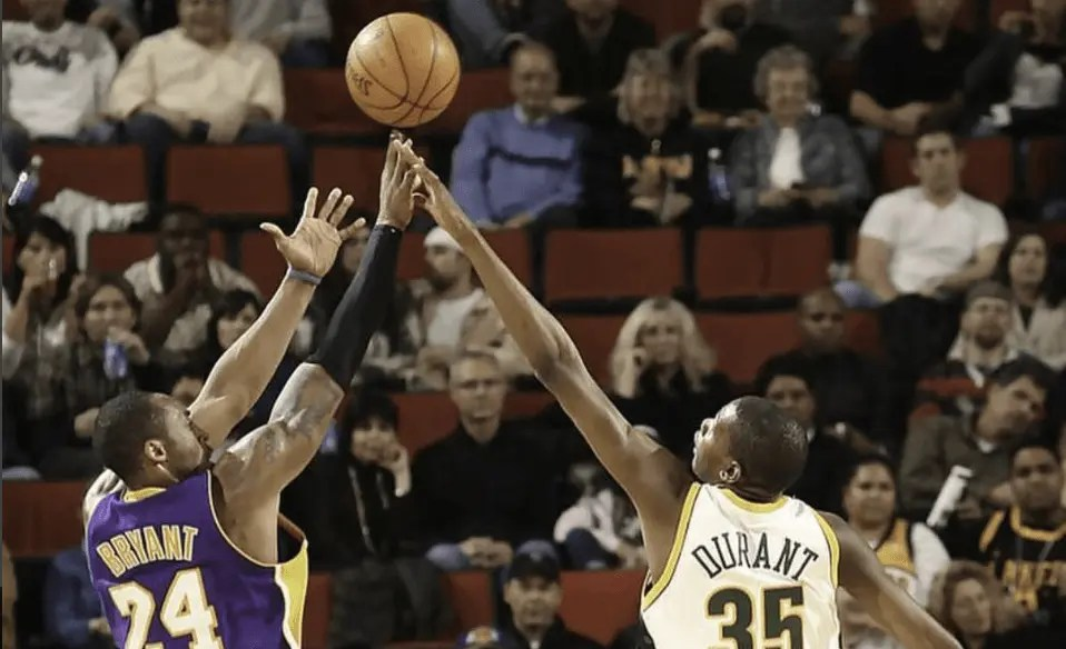 NBA: Warriors vincenti con i Lakers, Rockets 14^ vittoria