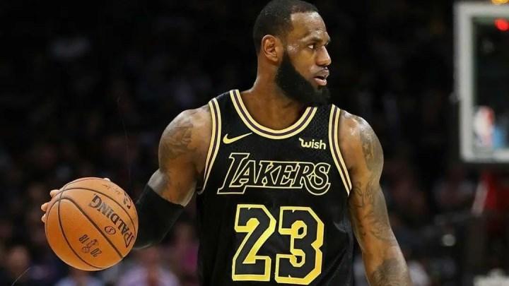 NBA: ora è ufficiale, LeBron James è un nuovo giocatore dei Lakers