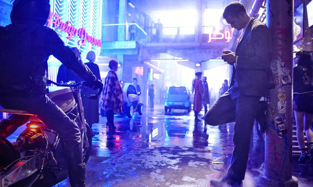 Mute: il film di Duncan Jones con Alexander Skarsgård da oggi su Netflix