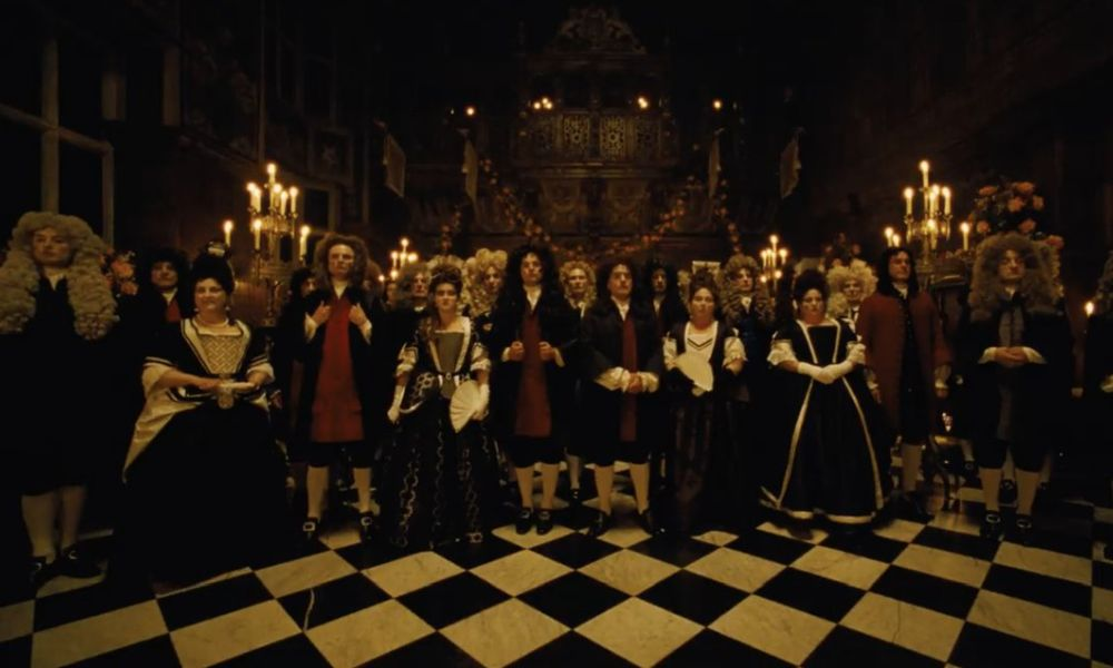 The Favourite: il primo trailer del film in costume con Emma Stone e Rachel Weisz