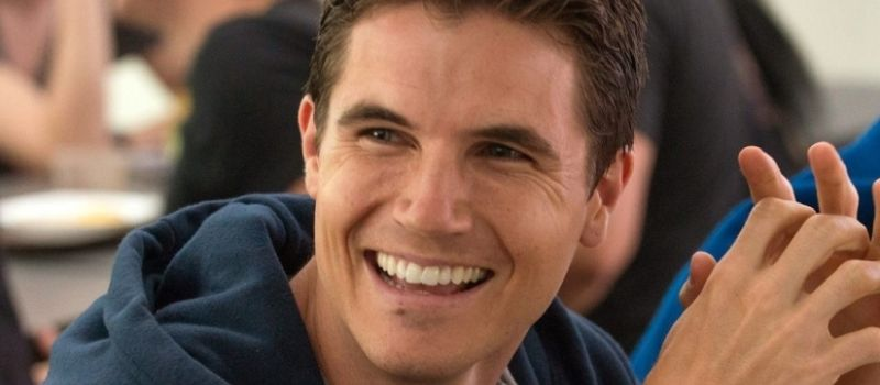 robbie-amell-cast-in-amazon-pilot-upload