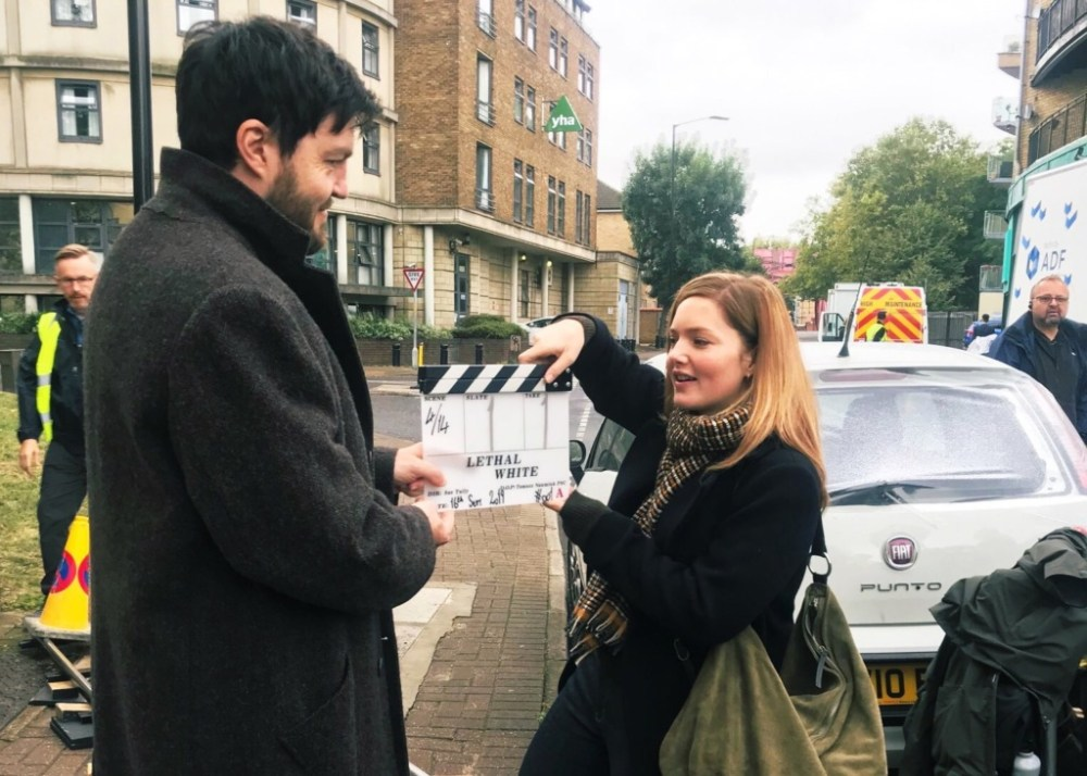 Tom Burke e Holliday Grainger  -  sul set di Lethal White