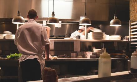 Chef: tra i mestieri più usuranti. Lo stabilisce uno studio condotto su 710 cuochi italiani dall'Istituto di ricerca e innovazione biomedica del Cnr