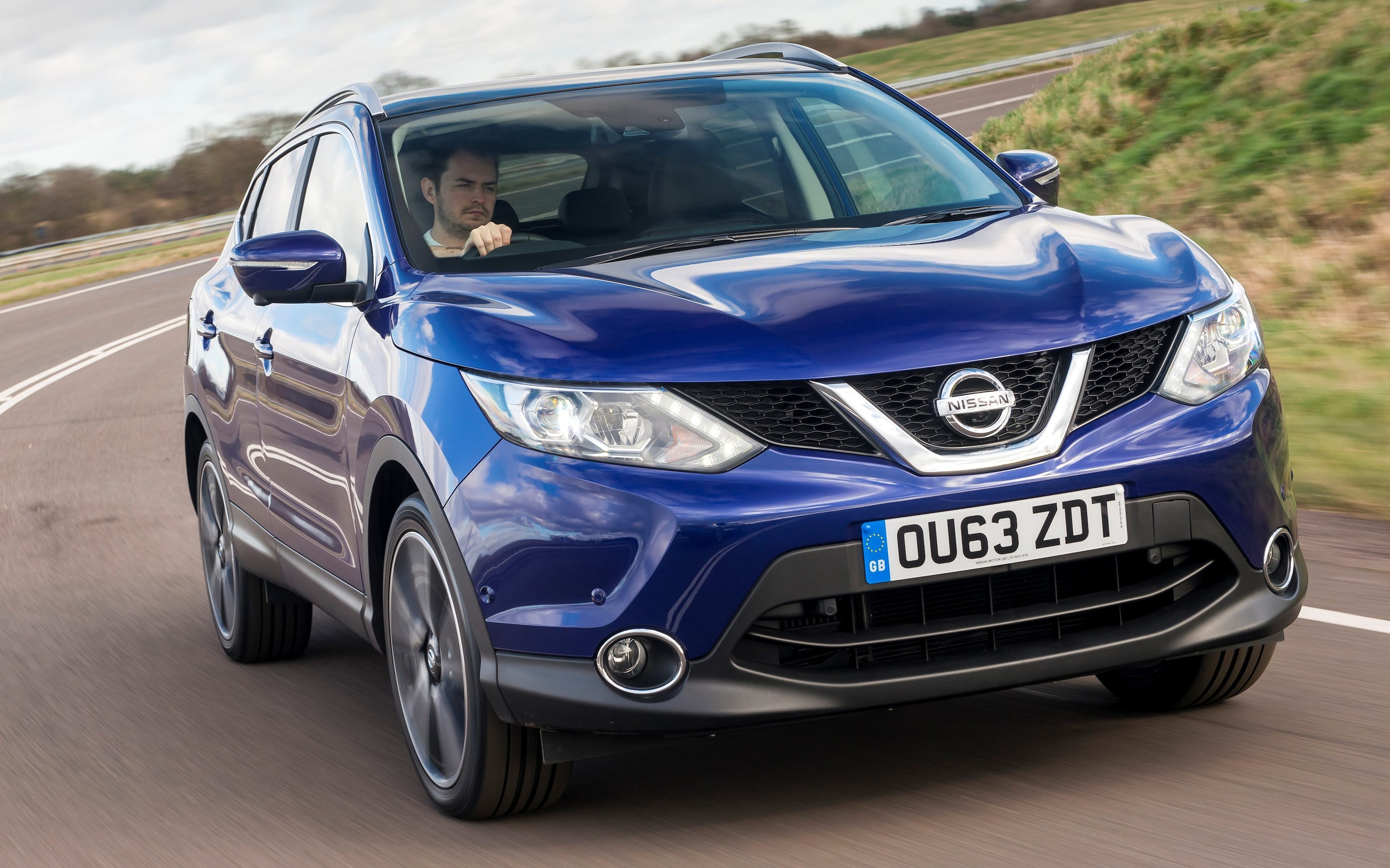 2015 nissan navara driven worth picking up nissan qashqai cornering [ 2880 x 1799 Pixel ]