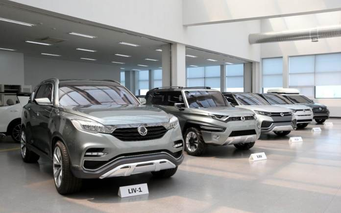ssangyong takes aim at land rover