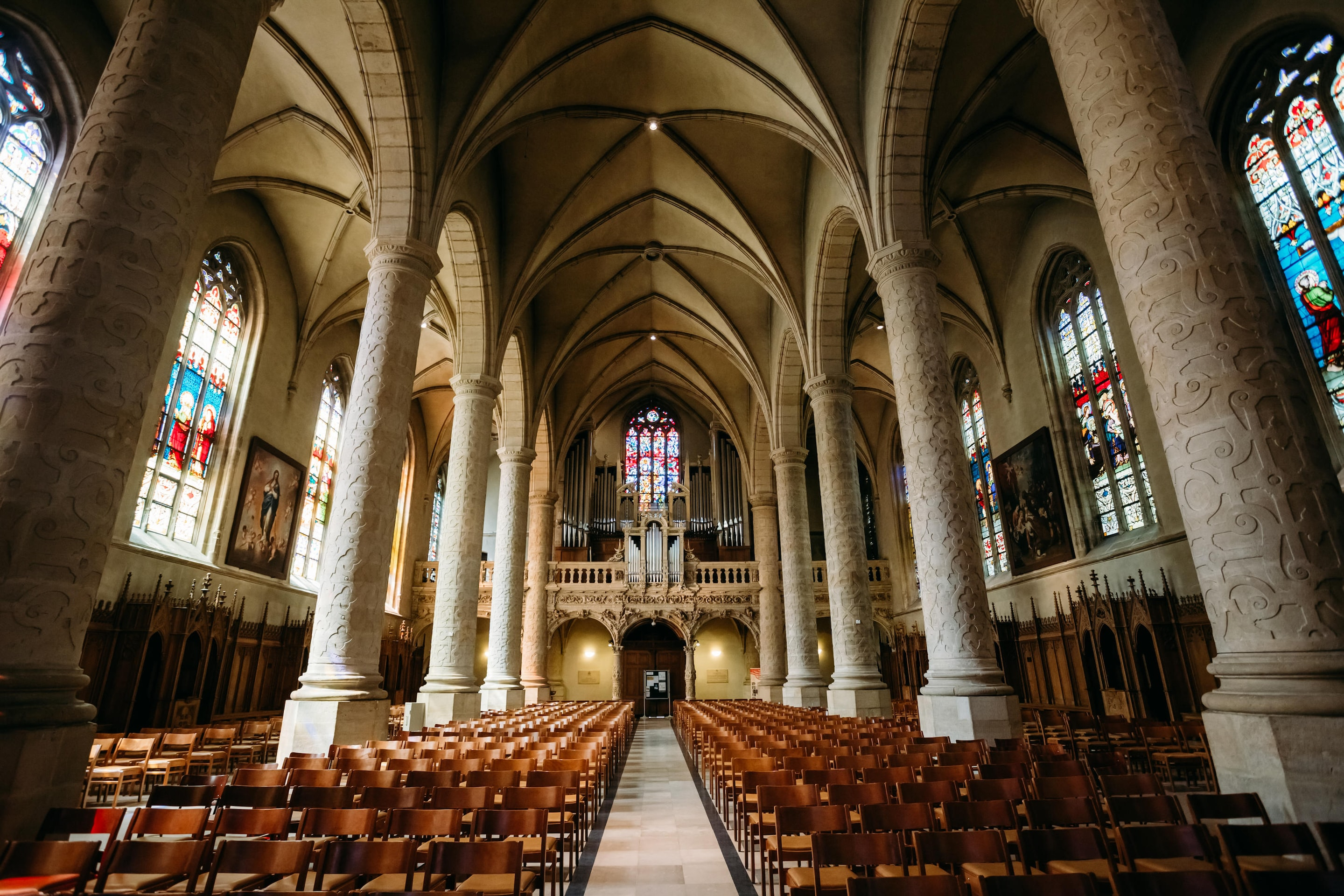 Luxembourg Wedding At Notre Dame Cathedral Incredible Royal Wedding Venues Around The World