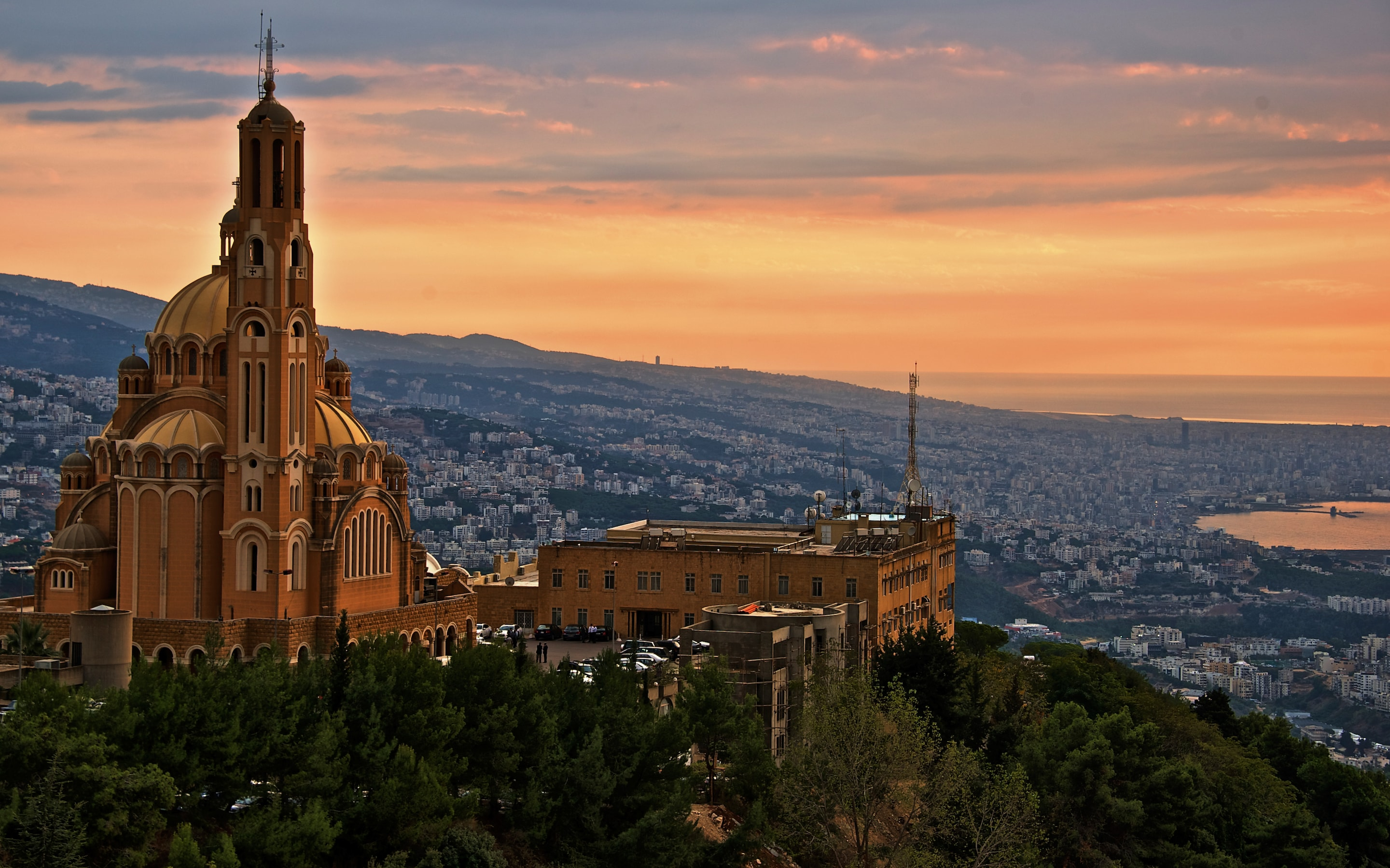 15 Facts About Lebanon A Country Of Cigarettes And Roman
