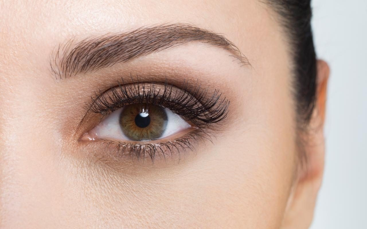 The Grown Up Guide To Shaping Your Eyebrows