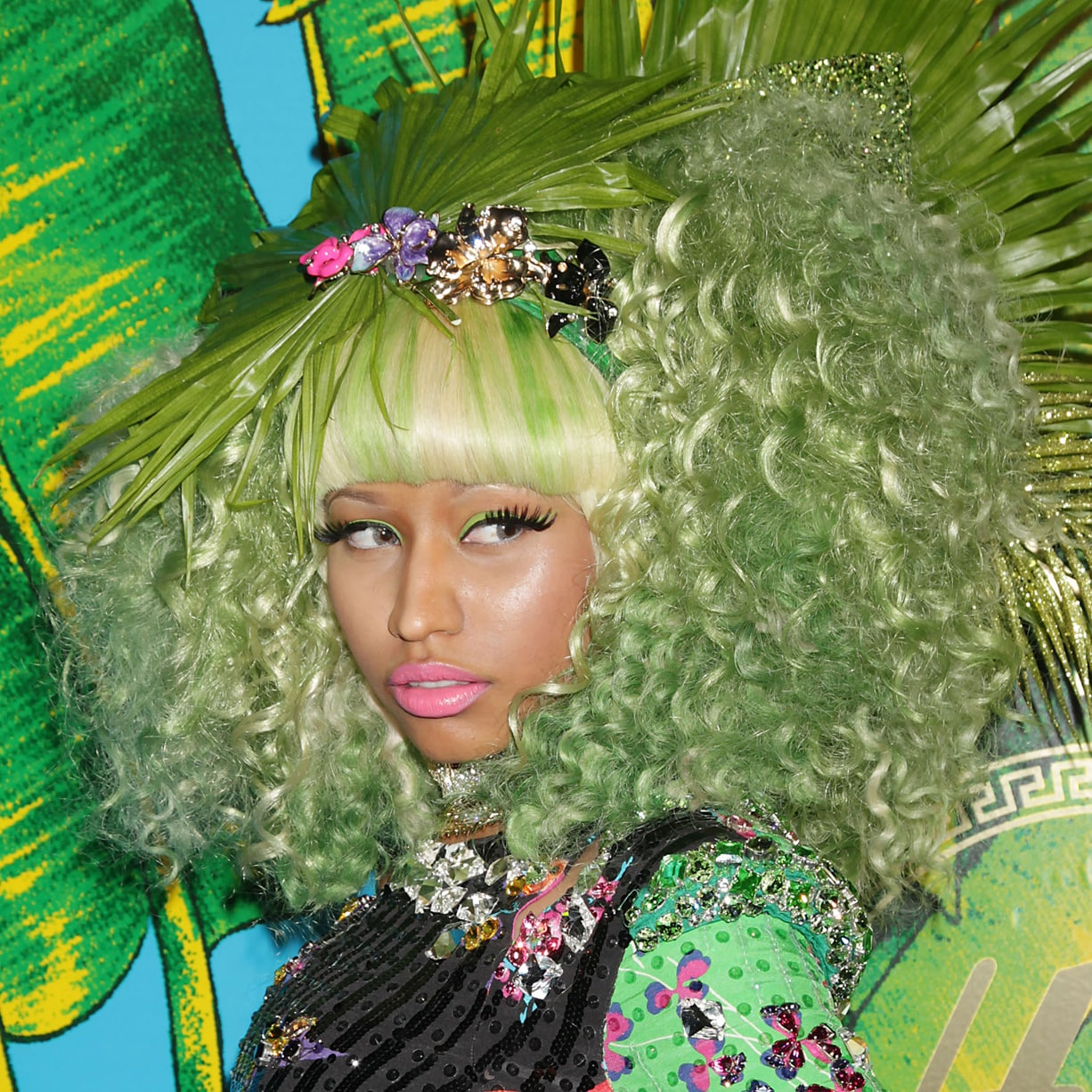 nicki minaj with green hair celebrities