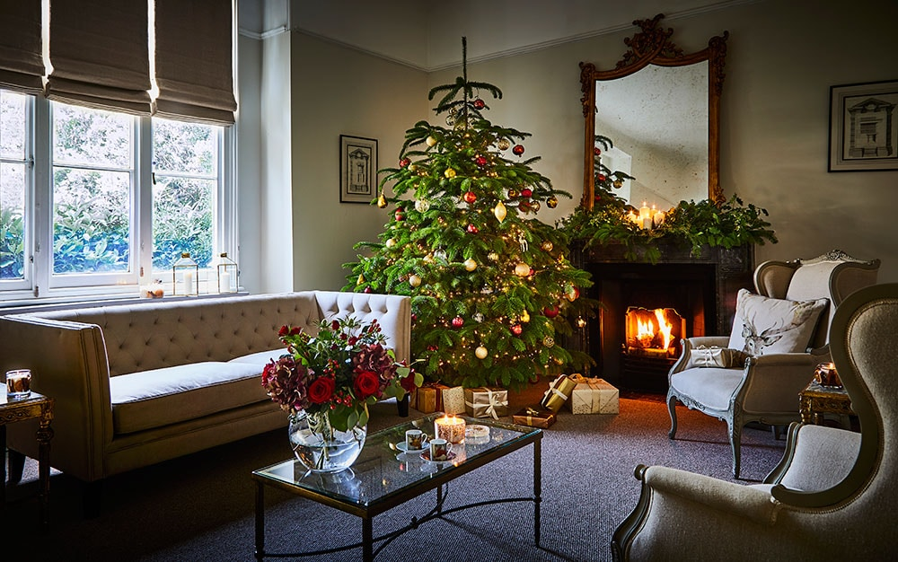 pictures of living room decorated for christmas red cream curtains family the best trees decorations and stocking fillers