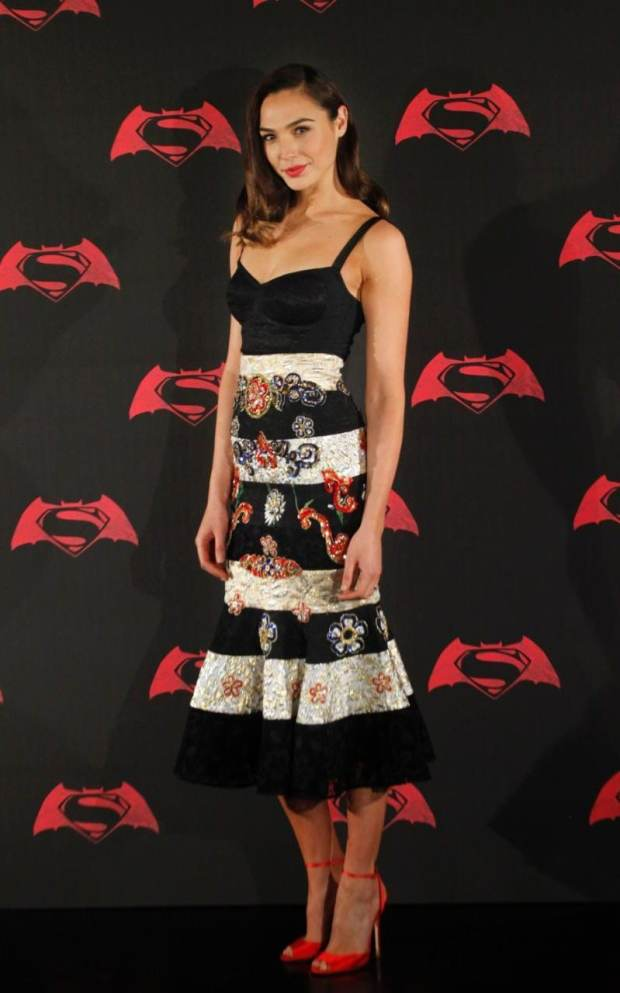 For a photocall in the Mexican capital, she looked to Dolce & Gabbana for this eye-catching skirt and lingerie-inspired bodice