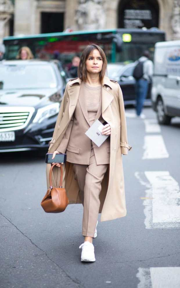Miroslava shows how you can wear crisp-white trainers with your sleek tailoring