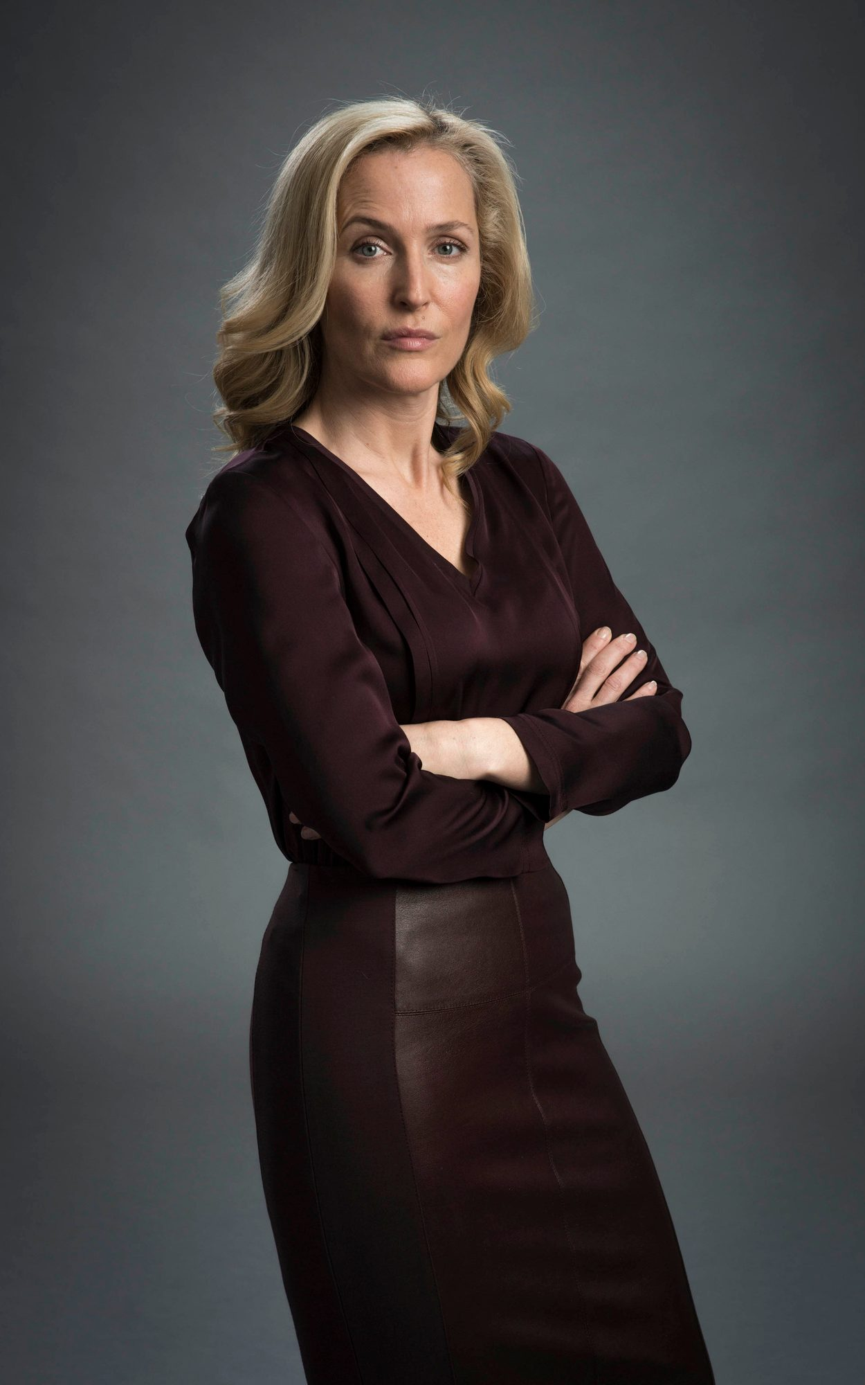 Gillian Anderson The Fall Wallpaper Is Gillian Anderson S Brey The Most Flattering Hair Shade