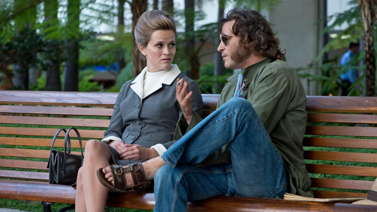 Reese Witherspoon and Joaquin Phoenix in Inherent Vice