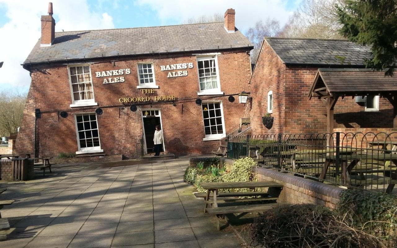 The Crooked House Staffordshire pub review