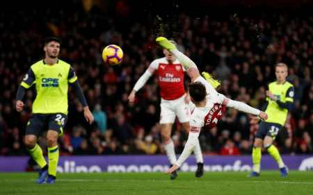 Arsenal boss Unai Emery reveales his plans for clash against Huddersfield TELEMMGLPICT000183102427 trans NvBQzQNjv4BqPuL 8ex6Wxr3HGFUi6PIc45tImKey5x700iKis9lGeo
