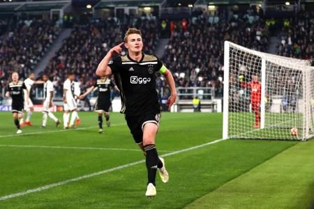 De Ligt celebrates winning goal