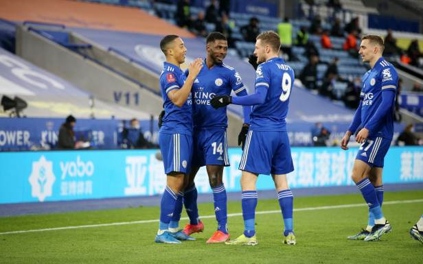 Leicester cash in against lame Manchester United to reach first FA Cup  semi-final for 39 years