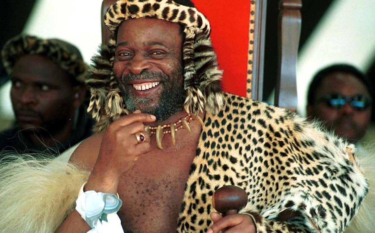 Zulu king tells Zuma to stand aside and let him rule South