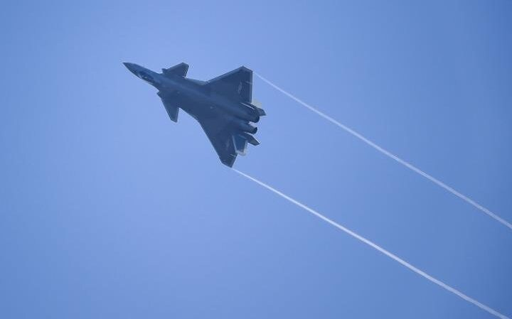 A J-20 jet performs at Zhuhai Air Show in Zhuhai, south China's Guangdong province