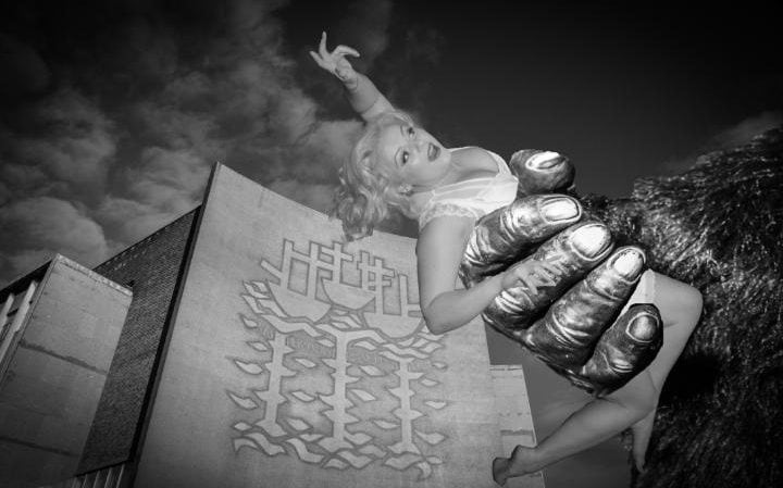 Lucy Joy as Ann Darrow (Fay Wray) in a recreation of King Kong for the Hullywood Icons project