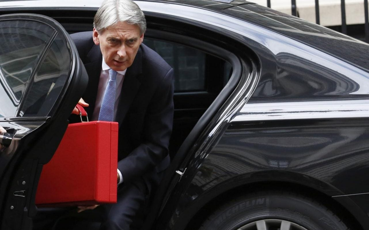 Jacob ReesMogg urges Philip Hammond to rise to Brexit