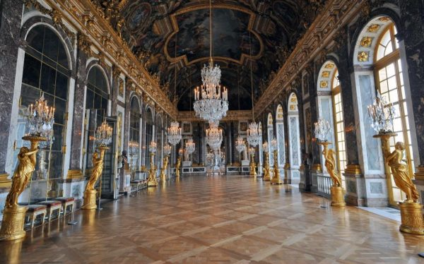 Versailles Palace Accused Of Throwing Art Historian 'commenting Works In English'