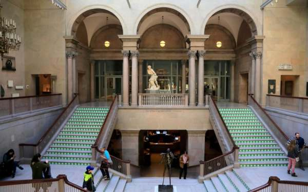Chicago Museum Cancels Exhibition Launch Over Concerns