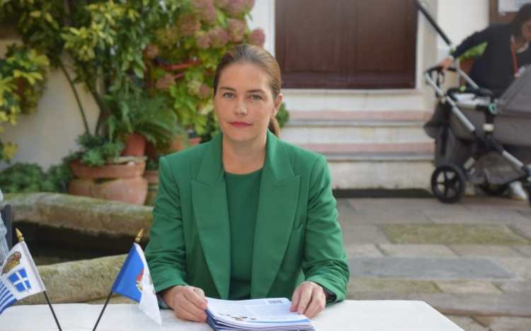 'Her Tremendousness' elected leader of self-declared micro-nation on hilltop in Italy