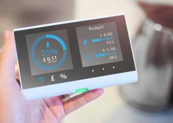Households saying no to smart meters will mean deadline is missed, says report
