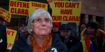Ex-Catalan minister Clara Ponsati released on bail and allowed to keep passport
