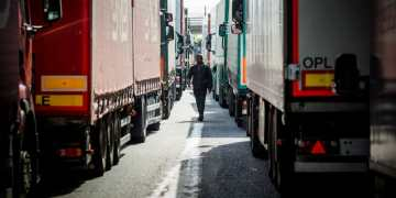 Dutch police find 25 migrants in refrigerated lorry leaving port bound for England