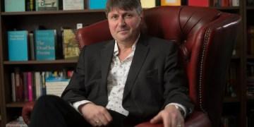 Poet Laureate Simon Armitage to fund new 'eco-poetry' prize