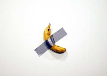 Performance artist devours $120,000 banana at Miami beach gallery