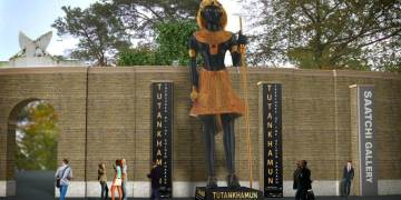 Tutankhamun row as wealthy residents brand Saatchi Gallery statue an 'eyesore'