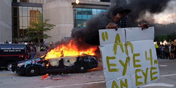 George Floyd protests: Violence erupts across United States - follow latest updates
