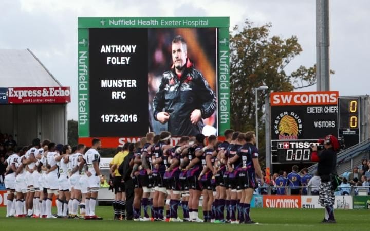 Exeter Chiefs andASM Clermont Auvergne hold a minute silence for Anthony Foley -Anthony Foley's sudden death unites rugby in mourning